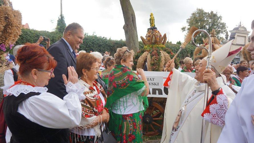 Święto rolników świętokrzyskich w Opatowie Kliknięcie w obrazek spowoduje wyświetlenie jego powiększenia