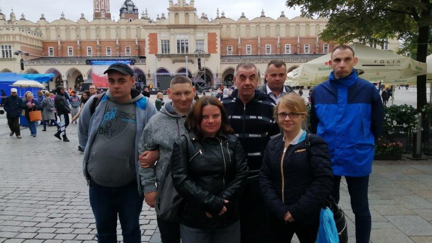 Wycieczka do Krakowa uczestników ze Środowiskowego Domu Samopomocy w Ożarowie Kliknięcie w obrazek spowoduje wyświetlenie jego powiększenia