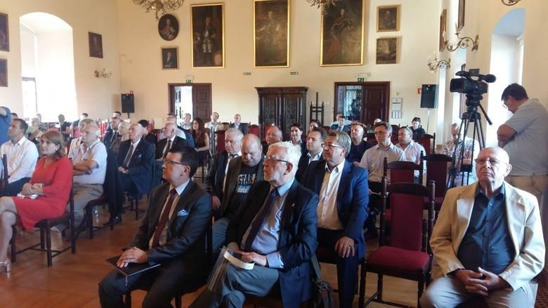 Konferencja o samorządzie